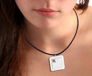 brokenimage_necklace