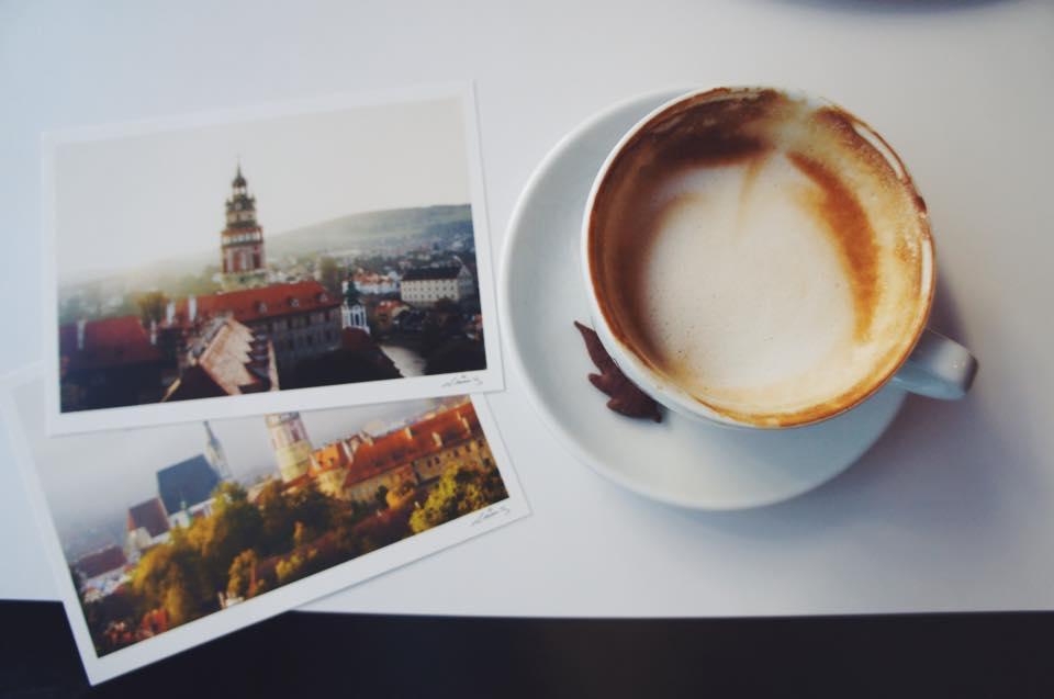 用悠閒的咖啡館時光來結束這驚險的一天~